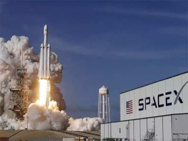 Here's why SpaceX is laying off 10% of its workforce