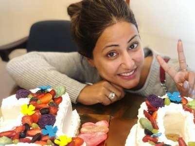 Hina Khan completes a decade in the industry