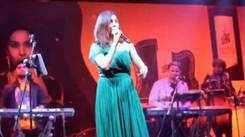 Banarasis sang along with Neeti Mohan at this concert