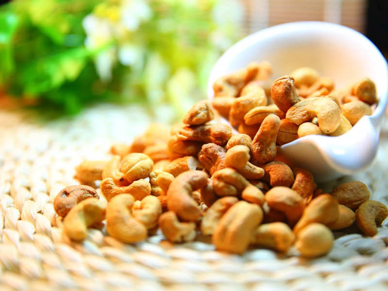 The 5 nuts that are best for a diabetic person - Times of India