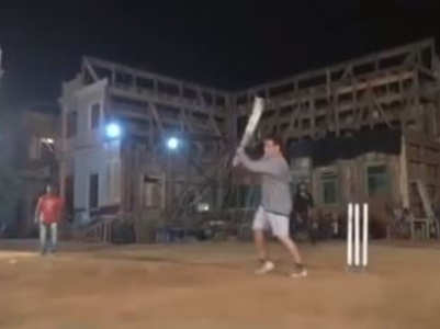 Video: Salman plays cricket on 'Bharat' sets