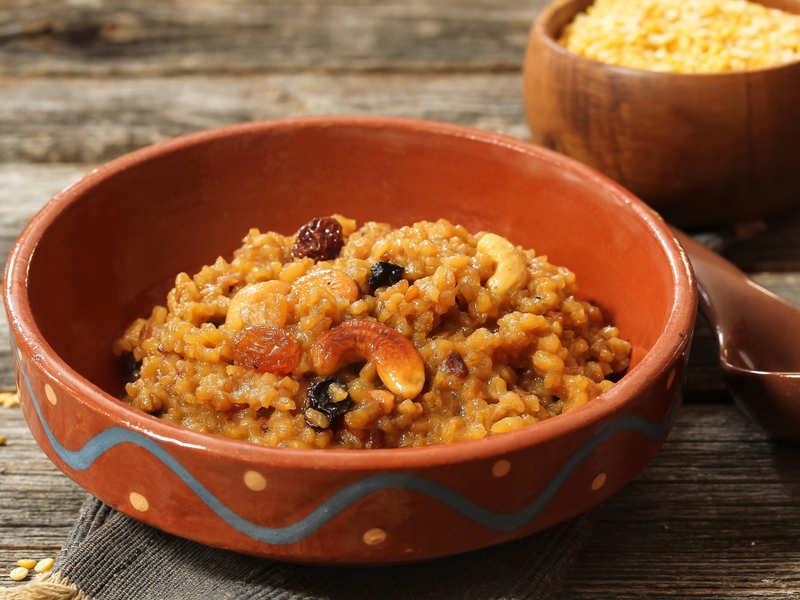 Sakkarai Pongal Recipe: Celebrate Pongal with this easy Sakkarai Pongal recipe!