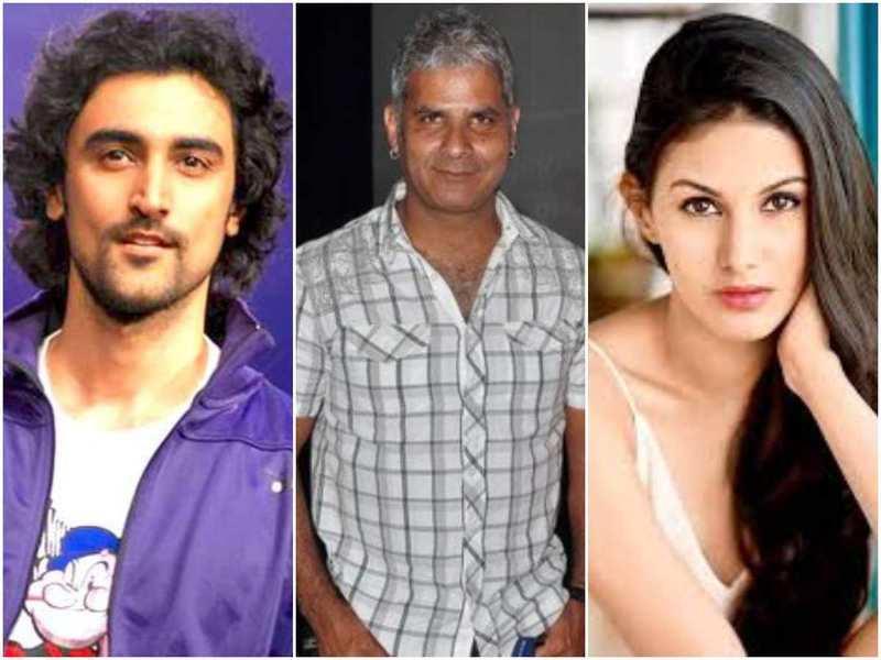 Koi Jaane Na': Director Amin Hajee kicks off the psychological thriller starring Kunal Kapoor and Amyra Dastur | Hindi Movie News - Times of India