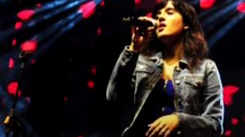 Singer Shirley Setia performs at the closing ceremony of the Times Sanskruti Arts Festival