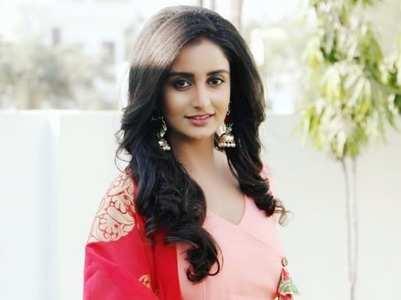 I idolize Divyanka: Sambhabana Mohanty