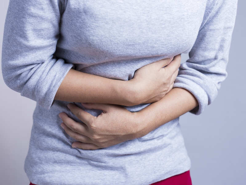 This 2 minute stomach massage can cure indigestion and bloating in a jiffy!