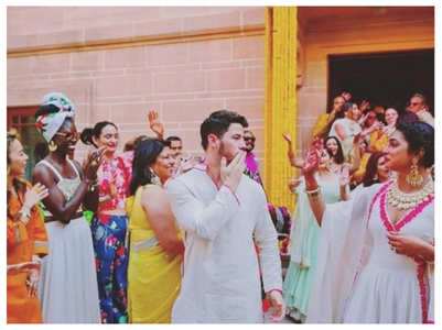 Nick-Priyanka's new pic from their wedding