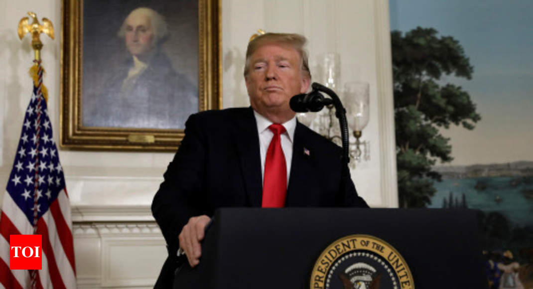Trump offers concessions on immigrants in return for wall funds - Times of India