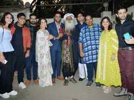Kangana Ranaut, Sadhguru Jaggi Vasudev, Prasoon Joshi and other celebrities attend the special screening of 'Manikarnika'