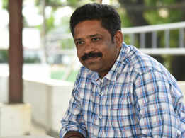Making offbeat cinema is like cycling against the wind: Seenu Ramasamy