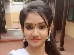 TV actress Gayatri Bhuvanesh thanks fans; urges their support for Siva Manasula Sakthi