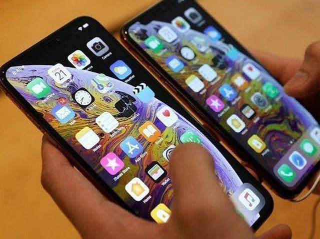 Apple iPhones to go the 'OLED' way by 2020