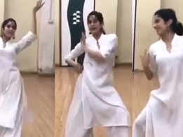 This video of Janhvi Kapoor's dance rehearsal will remind you of her mother Sridevi