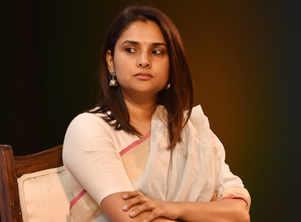 Divya Spandana trolled for wishing Dhanush for 'Rowdy Baby'