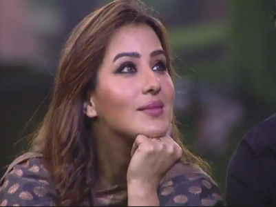 Shilpa deletes Twitter, to soon go off Instagram