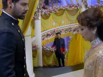 King sees Abhi and Pragya together