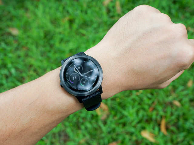 Fitness bands vs smartwatches, who's winning the Indian market?