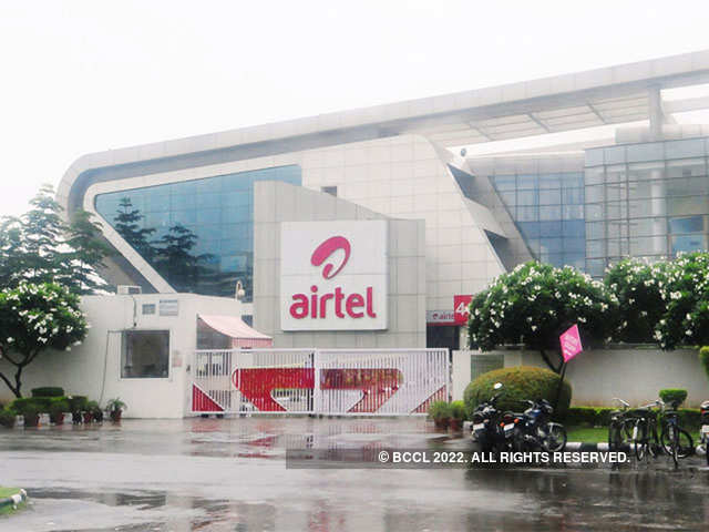 Airtel, however, witnessed rise in 4G customer base. Overall, 4G customer base stood at 7.71 crore at the end of the quarter.