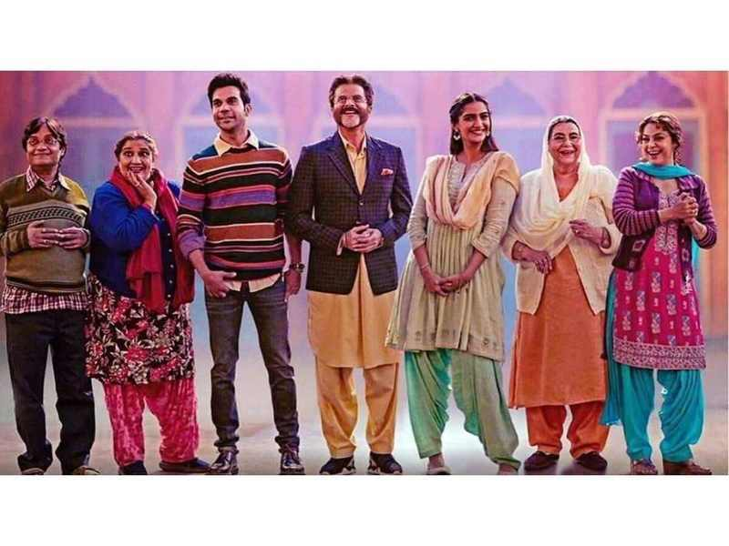 'Ek Ladki Ko Dekha Toh Aisa Laga' box office collection Day 5: The Sonam Kapoor and Anil Kapoor starrer collects Rs 1.30 crore on Tuesday
