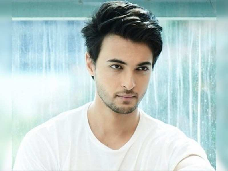 Aayush Sharma taking lessons in Marathi for Mulshi Pattern remake?