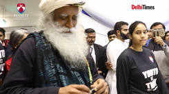 #SadhguruAtBennett: Sadhguru talks about Hardik-Pandya controversy
