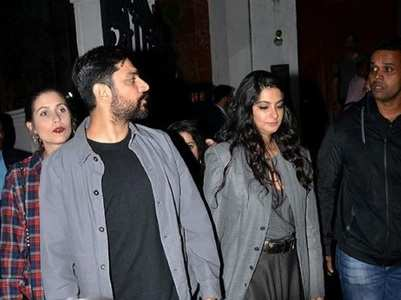 Rhea with her papa Anil Kapoor & rumoured bf
