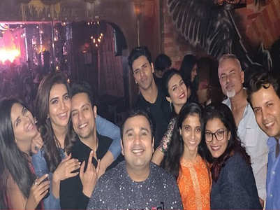 Karishma-Vivek party as 'Qayamat'  wraps up