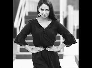 Rubina Bajwa to star in sister Neeru Bajwa's next production 'Munda Hi Chahida'