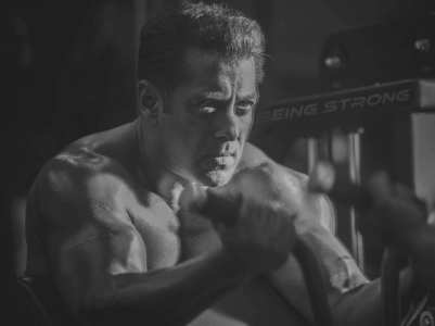 Salman goes shirtless in his latest post