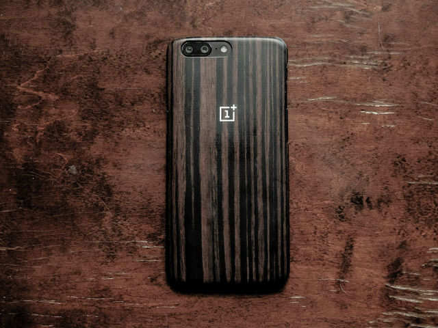 OnePlus OxygenOS update Google Duo: OnePlus smartphones to