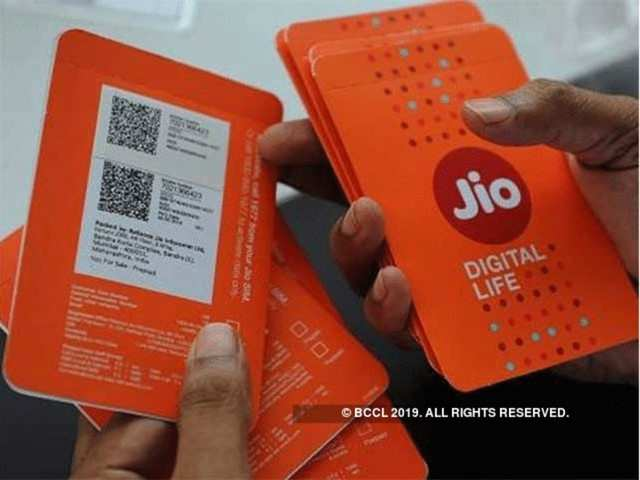 Reliance Jio sends 'missing you' message to Airtel, Vodafone