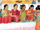 Ladies give out message of cleanliness at an event in Aurangabad