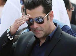 Salman donates to Pulwama martyrs' families