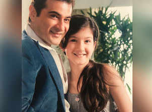 Sanjay Kapoor's daughter all set for B'wood