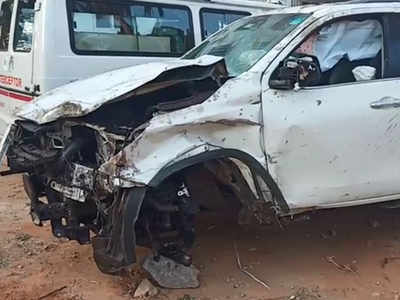CT Ravi car accident: Two killed as BJP MLA's SUV rams into