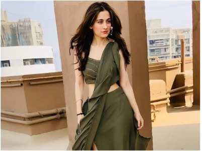 Sanjeeda crosses 3 mn fans on Instagram