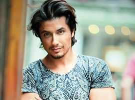 Indians slam Ali Zafar for supporting Pak PM