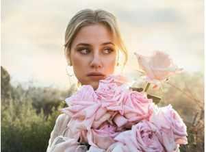 Riverdale star Lili Reinhart fights anxiety