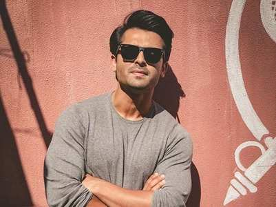 Shoaib Ibrahim hits 1 million mark on Insta