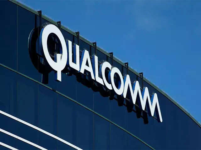 Qualcomm urges US regulators to reverse ruling and ban import of some iPhones