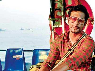 Sehban takes the water route to reach set
