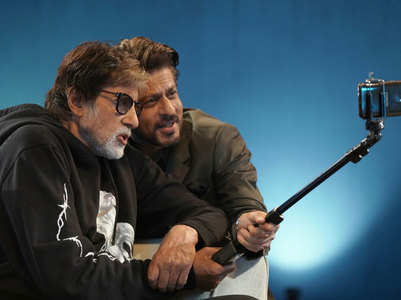 Amitabh and Shah Rukh's epic selfie