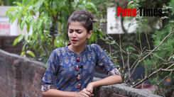 Actress Dnyanada Ramtirthkar sining her favorite song
