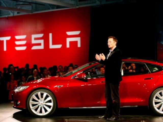 Tesla announces Model 3 sedan for $35,000