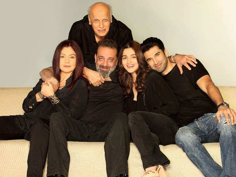 Sadak 2: Remake of Sanjay Dutt and Pooja Bhatt's iconic song 'Tumhe Apna  Banane Ki Kasam' to feature in the movie? | Hindi Movie News - Times of  India