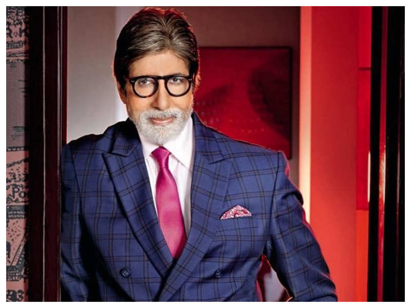 Amitabh Bachchan reacts to an incident that happened during release of 'Anand'