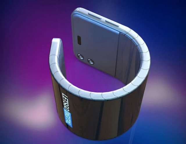 Samsung working on a wearable smartphone that folds into a wrist watch