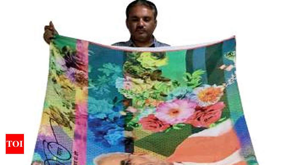 Surat quick to dye saris in political colour