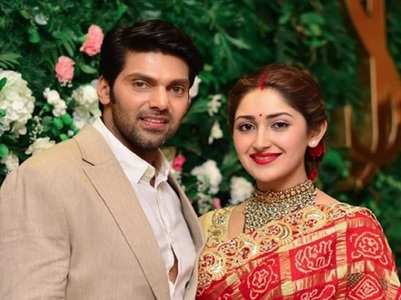 Arya-Sayyeshaa host a wedding reception