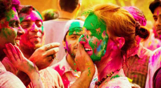 Tips on celebrating an eco-friendly Holi
